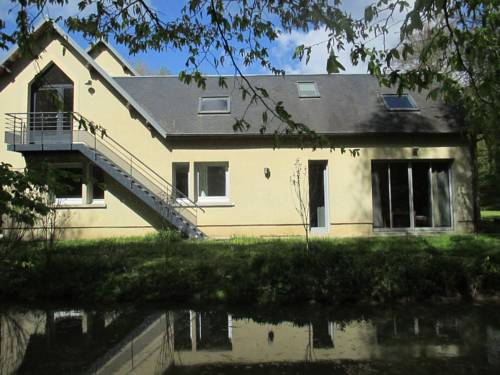 Holiday home bis route de Saint Quentin : Guest accommodation near Travecy