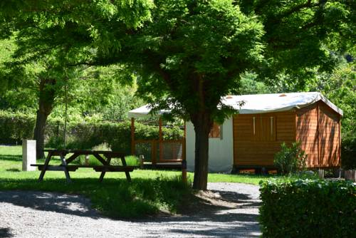 Camping La Charderie : Guest accommodation near Lalevade-d'Ardèche
