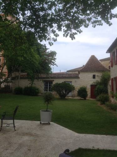 Manoir Saint-Louis : Bed and Breakfast near Antagnac