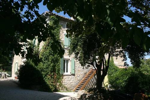 Holiday home Place des Teyssiers 1 : Guest accommodation near Grospierres