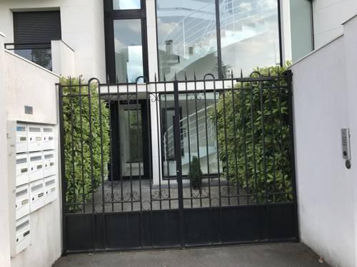 Petit Nid Douillet avec Jardin : Apartment near Bry-sur-Marne