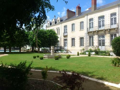Hôtel & Spa Périer Du Bignon : Hotel near Laval