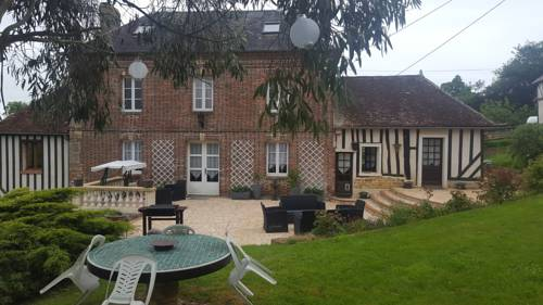 Camden House And Castle : Bed and Breakfast near Aubry-le-Panthou