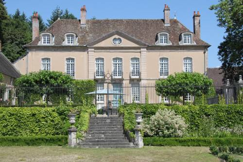 Chateau de Villette : Bed and Breakfast near Glux-en-Glenne