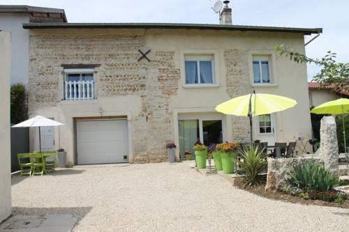 Les Trois Maisons : Apartment near Jujurieux