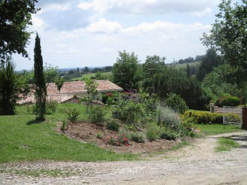 Bienvenue dans notre petit paradis : Guest accommodation near Ardizas