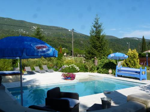 Les Bambous B&B : Bed and Breakfast near La Roquette-sur-Var