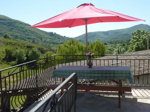 gite la riviere : Guest accommodation near Saint-Martin-sur-Lavezon