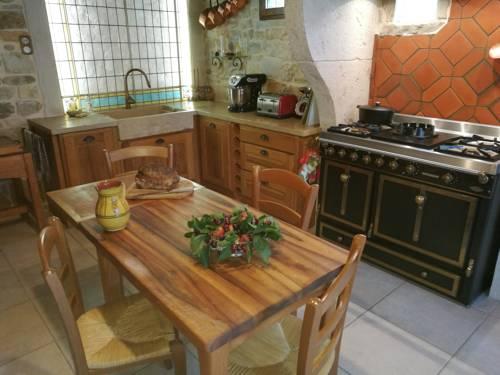 Le Grangeon 01 : Guest accommodation near Saint-Jean-le-Vieux