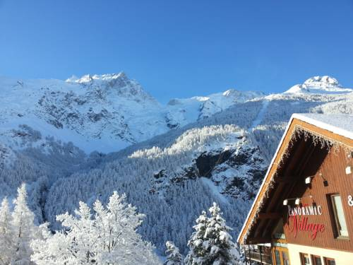 Appart'hotel Panoramic-Village : Guest accommodation near La Grave