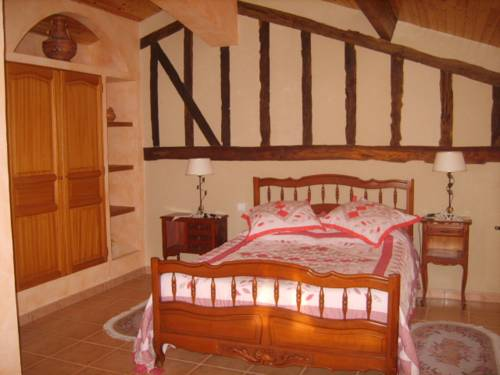Chambres D'hotes Aux Lauriers : Bed and Breakfast near Samatan