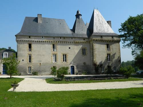 Château de Mavaleix : Hotel near Saint-Priest-les-Fougères