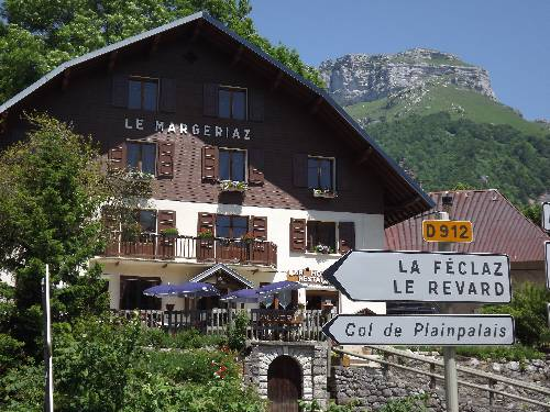 Bar Hotel Restaurant le Margeriaz : Hotel near Le Noyer