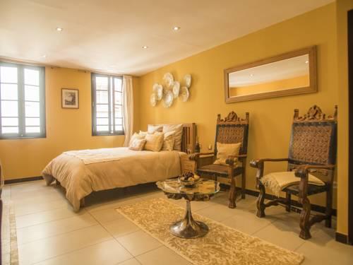 Coronell d'En Vila Suites : Hotel near Languedoc-Roussillon