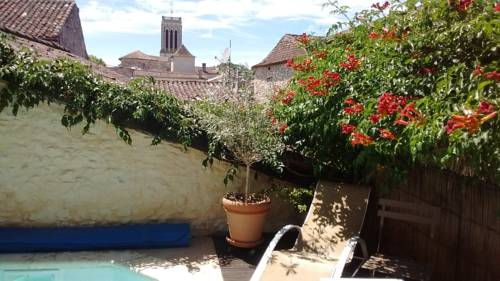 Chambres d'Hôtes La Peregrine : Bed and Breakfast near Agnac