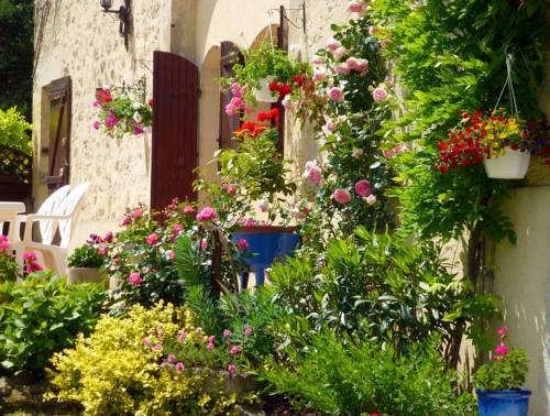 Le Bonheur : Guest accommodation near Auriac-sur-Dropt