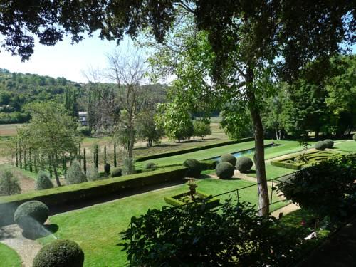 Le Clos de Villeneuve : Guest accommodation near Brunet