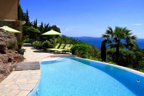 Villa le Mas d'Ulysse : Guest accommodation near Théoule-sur-Mer