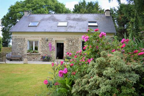 Heart of Brittany - Saint Emilion : Guest accommodation near Carhaix-Plouguer