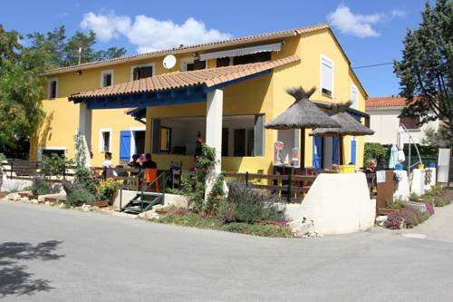 Camping la Chicanette : Guest accommodation near Saint-Gilles