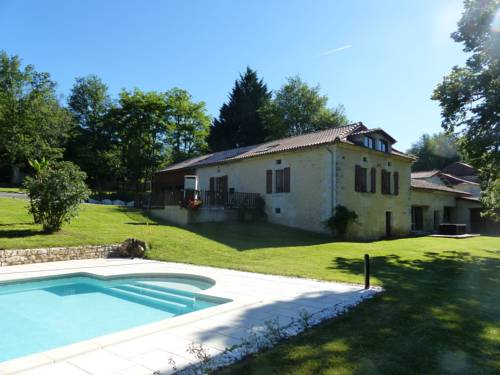 Holiday home rue du Terme : Guest accommodation near Neuvic