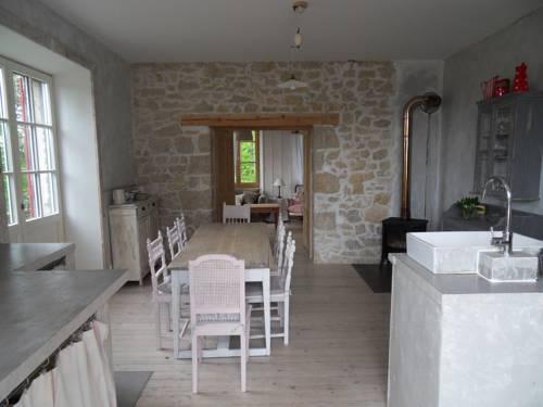 La maison de Lilou : Guest accommodation near Montperreux
