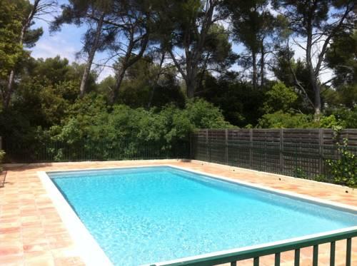 Petite Maison au calme : Guest accommodation near Vallauris