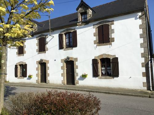 La Grande Maison Seglien : Bed and Breakfast near Silfiac