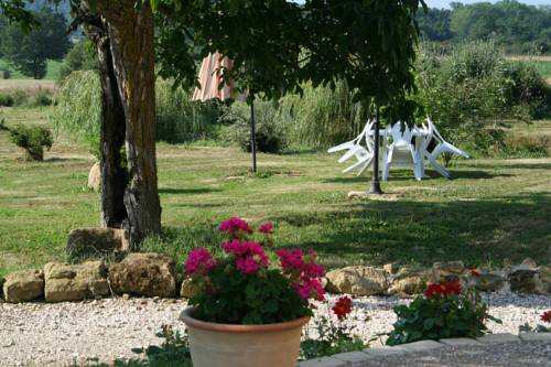 B&B La Ferme D'Enjean : Bed and Breakfast near Bézues-Bajon