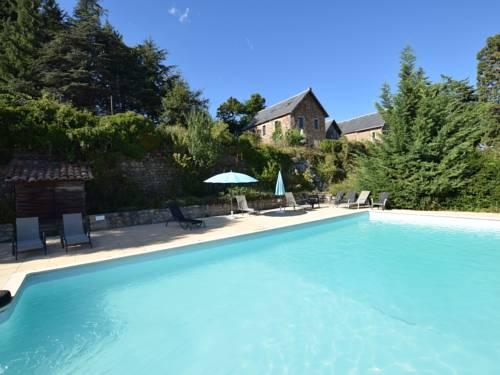Appartement - château en Ardèche 2 : Guest accommodation near Saint-Jean-Roure