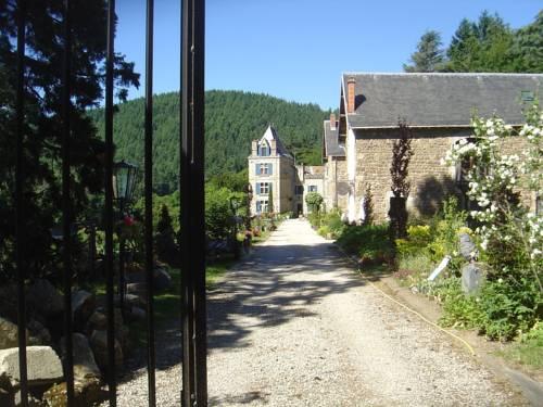 Appartement - château en Ardèche : Guest accommodation near Saint-Julien-Labrousse