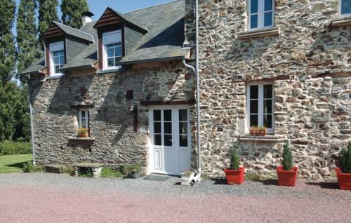 Holiday home Pont Hebert J-808 : Guest accommodation near Airel