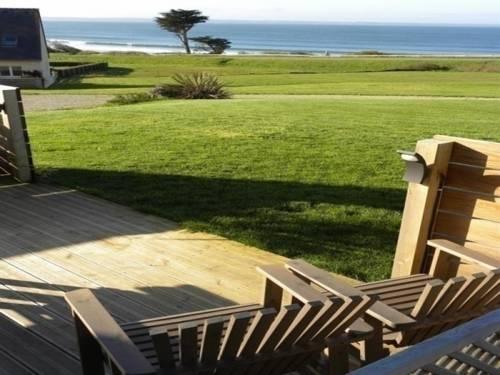 House À 100 m de la plage : Guest accommodation near Argol