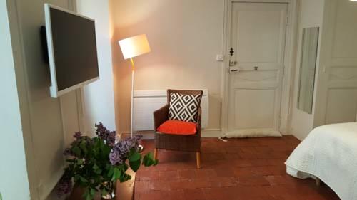 Au 54 : Guest accommodation near Lectoure