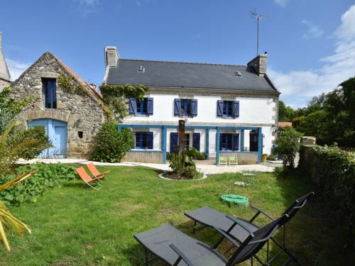 Holiday home Cleden Cap Sizun : Guest accommodation near Île-de-Sein
