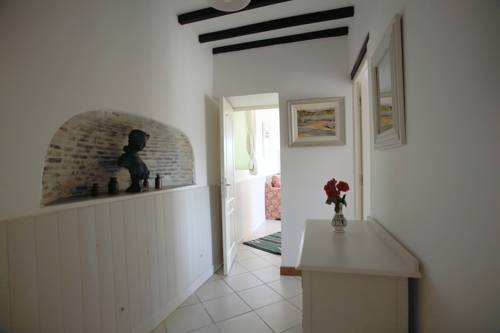 Le Puy Gites & Bed and Breakfast : Bed and Breakfast near Nontron
