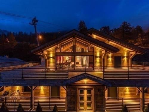 House Chalet de prestige design et chaleureux : Guest accommodation near Saint-Sauveur-sur-Tinée