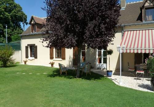 La Cyrillaure : Bed and Breakfast near Cangey