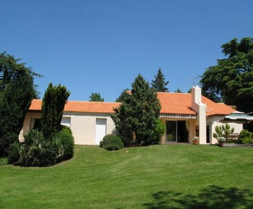 Logis du Parc : Bed and Breakfast near Saint-André-Treize-Voies