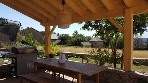 Gite pour 4 à Saint Hilaire de brens : Guest accommodation near Courtenay