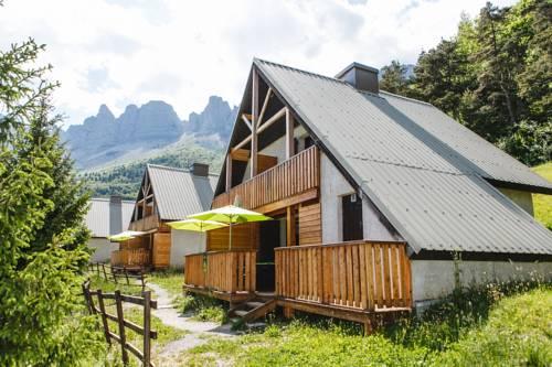 Les chalets de Pré Clos en Vercors : Guest accommodation near Avignonet