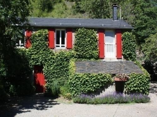 House Les trois saules : Guest accommodation near Saint-Sever-du-Moustier