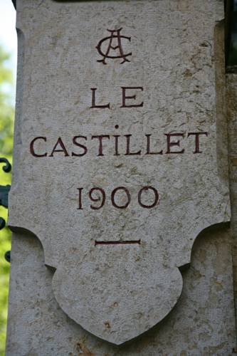 Castillet : Guest accommodation near Annoisin-Chatelans