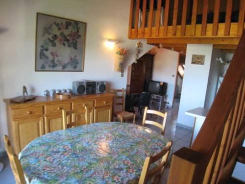 Apartment Castel du lac : Apartment near Crots