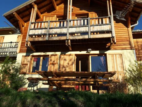 Chalet La Rua : Guest accommodation near Risoul