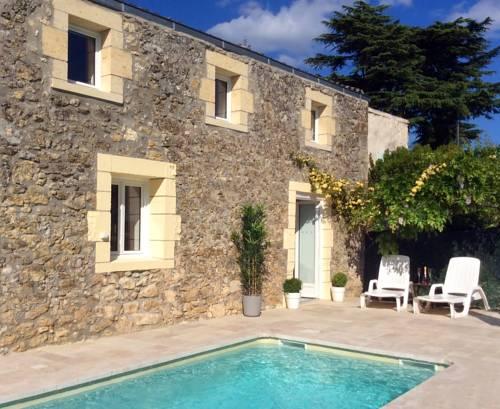 La Porte Bleue : Guest accommodation near Saint-Seurin-de-Prats