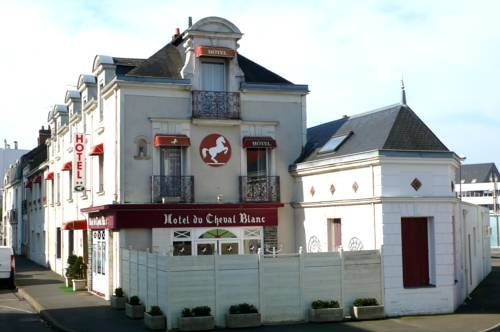 Hotel du Cheval blanc : Hotel near Rezé