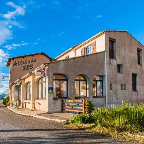 Altitude 823 : Hotel near La Palud-sur-Verdon