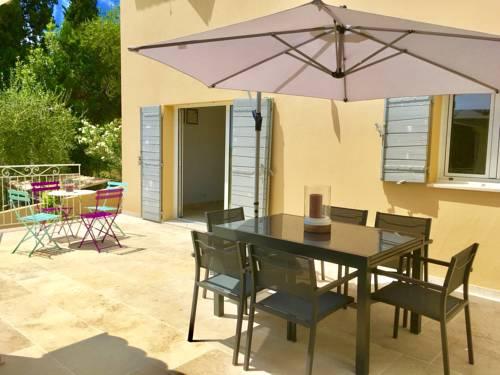 Maison de Standing,jardin,terrasse vue mer : Guest accommodation near Spéracèdes