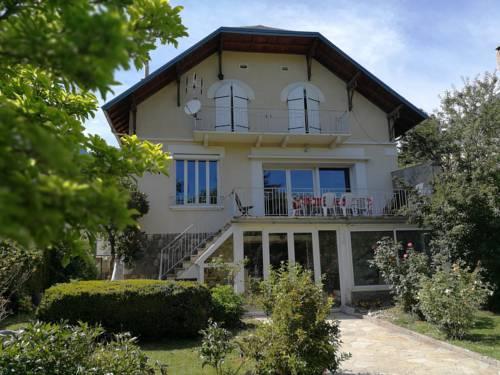 Villa Le Gai Soleil : Guest accommodation near Châteauroux-les-Alpes